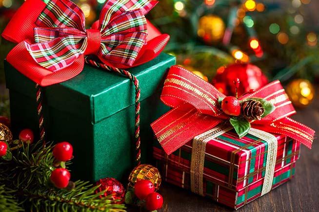 Regali Di Natale Per Tutti.A Natale Tutti Si Scambiano I Doni Il Punto Quotidiano