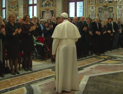 Papa Francesco chiede umiltà ai giornalisti