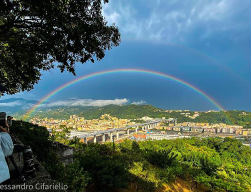 Genova, un arcobaleno lungo 43 persone