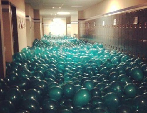 A scuola volano i palloni della felicità