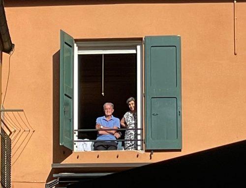 Al comizio di Salvini Prodi alla… finestra