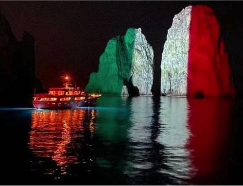 Anche i Faraglioni di Capri tifano Italia