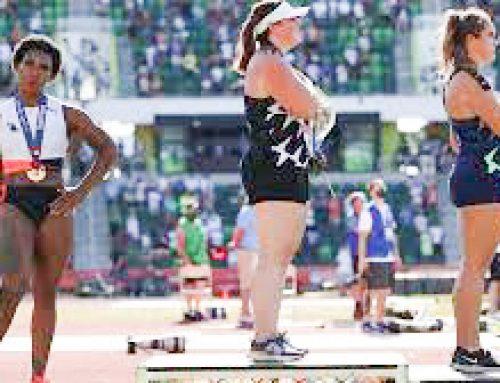 Atleta Usa dice no al razzismo durante l'inno