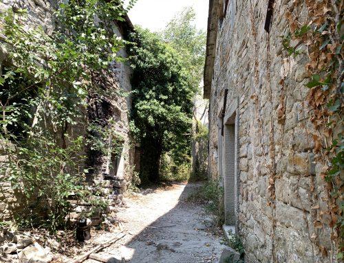 Castiglioncello, un paese fantasma dalle mille avventure