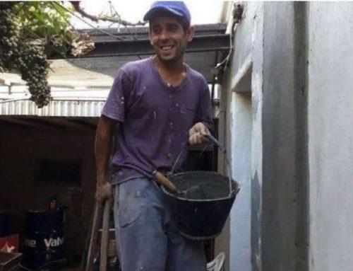 Il muratore onesto ottiene un lavoro fisso